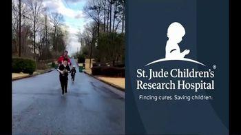 St. Jude Children's Research Hospital TV Spot, '40-Yard Dash: Rich Eisen' - Thumbnail 6