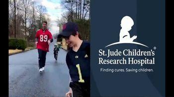 St. Jude Children's Research Hospital TV Spot, '40-Yard Dash: Rich Eisen' - Thumbnail 7