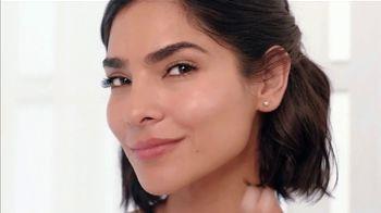 Aveeno Positively Radiant Sheer Daily Moisturizer TV Spot, 'Pure' Featuring Alejandra Espinoza - Thumbnail 5
