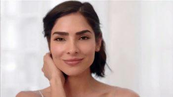 Aveeno Positively Radiant Sheer Daily Moisturizer TV Spot, 'Pure' Featuring Alejandra Espinoza - Thumbnail 6