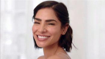 Aveeno Positively Radiant Sheer Daily Moisturizer TV Spot, 'Pure' Featuring Alejandra Espinoza - Thumbnail 7
