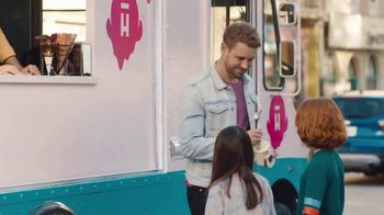 Halo Top TV Spot, 'Love' Featuring Nick Viall - Thumbnail 8