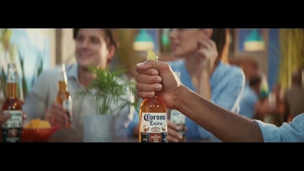 Corona Extra TV Commercial, 'A Corona Gets its Lime' Song by Geowulf
