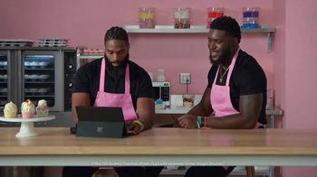 Microsoft Surface Pro 6 TV Spot, 'Cupcakes: Up To $200 Off' Ft. Brian Orakpo, Michael Griffin - Thumbnail 6