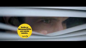 Sprint TV Spot, 'Visita Sprint y recibe el nuevo Samsung Galaxy S10e por cuenta nuestra' [Spanish] - Thumbnail 5
