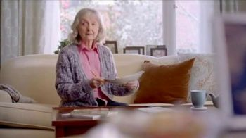 Consumer Cellular GrandPand TV Spot, 'Families are Meant to Be Close: First Month Free' - Thumbnail 2
