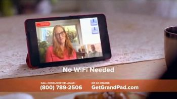 Consumer Cellular GrandPand TV Spot, 'Families are Meant to Be Close: First Month Free' - Thumbnail 4