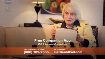 Consumer Cellular GrandPand TV Spot, 'Families are Meant to Be Close: First Month Free' - Thumbnail 5