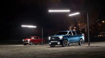 Chevrolet Silverado TV Spot, 'Bajo el reflector' [Spanish] [T1] - Thumbnail 9