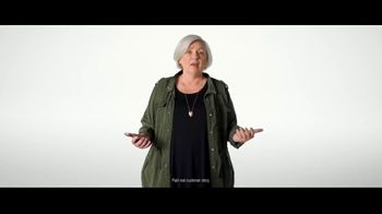 Verizon Military Offer TV Spot, 'Why Elaine Chose Verizon: BOGO' - Thumbnail 5