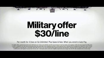 Verizon Military Offer TV Spot, 'Why Elaine Chose Verizon: BOGO' - Thumbnail 9