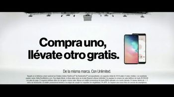 Verizon TV Spot, 'María: compra uno, llévate otro gratis' [Spanish] - Thumbnail 7