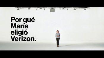 Verizon TV Spot, 'María: compra uno, llévate otro gratis' [Spanish] - Thumbnail 3