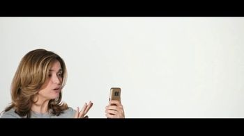 Verizon TV Spot, 'María: compra uno, llévate otro gratis' [Spanish] - Thumbnail 4
