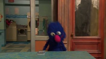 Common Sense Media TV Spot, 'Sesame Street Friends Enjoy Device Free Dinner' - Thumbnail 2