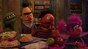 Common Sense Media TV Spot, 'Sesame Street Friends Enjoy Device Free Dinner'