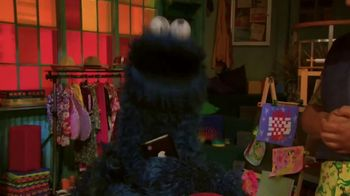 Common Sense Media TV Spot, 'Sesame Street Friends Enjoy Device Free Dinner' - Thumbnail 8