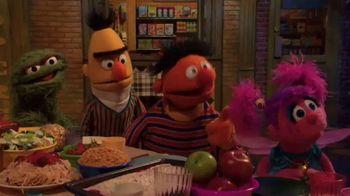 Common Sense Media TV Spot, 'Sesame Street Friends Enjoy Device Free Dinner'