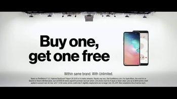 Verizon TV Spot, 'Why Kerry Chose Verizon: Apple Music & BOGO' - Thumbnail 10