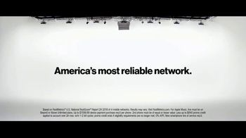 Verizon TV Spot, 'Why Kerry Chose Verizon: Apple Music & BOGO' - Thumbnail 8
