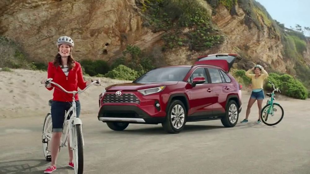 Toyota Summer Starts Here TV Commercial, 'Summer's Here' [T1]