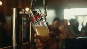 Coors Light TV Spot, 'Hot Bar Waterfall' Song by Pigeon John - Thumbnail 3