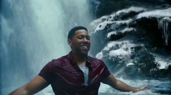Coors Light TV Spot, 'Hot Bar Waterfall' - Thumbnail 7