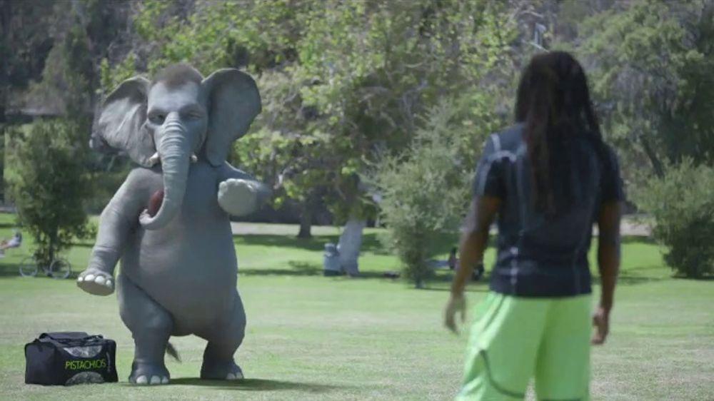 Wonderful Pistachios TV Commercial, 'Richard Sherman vs. Ernie'