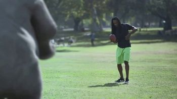 Wonderful Pistachios TV Spot, 'Richard Sherman vs. Ernie' - Thumbnail 3