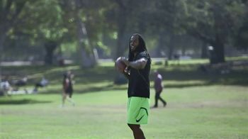Wonderful Pistachios TV Spot, 'Richard Sherman vs. Ernie' - Thumbnail 5