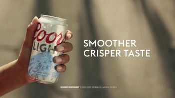 Coors Light TV Spot, 'Tailgate Flip' - Thumbnail 8