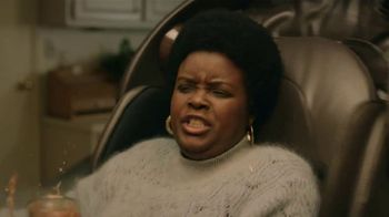 GEICO TV Spot, 'Massage Chairs Reduce Home-Buying Stress' - Thumbnail 7
