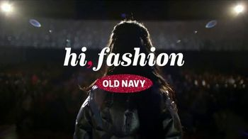 Old Navy TV Spot, '2018 Holidays: Last Minute Gifts to Sing About' - Thumbnail 1