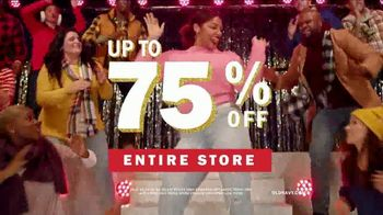 Old Navy TV Spot, '2018 Holidays: Last Minute Gifts to Sing About' - Thumbnail 10