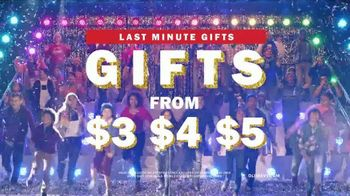 Old Navy TV Spot, '2018 Holidays: Last Minute Gifts to Sing About' - Thumbnail 6