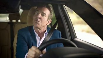 Esurance TV Spot, 'Safe and Unsafe Drivers' Featuring Dennis Quaid - Thumbnail 4