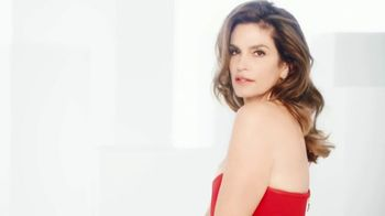 OMEGA Constellation Manhattan TV Spot, 'World-Famous Faces' Featuring Cindy Crawford, Nicole Kidman - Thumbnail 6