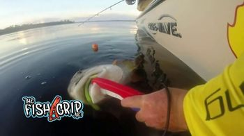 The Fish Grip TV Spot, 'Don't Reach Into That Mouth' Featuring Kevin Harrington - Thumbnail 4