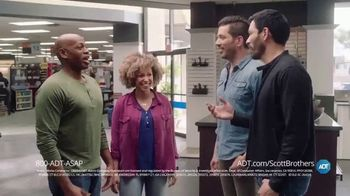 ADT TV Spot, 'DIY Fails with the Scott Brothers' Featuring Jonathan and Drew Scott - Thumbnail 4
