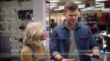 ADT TV Spot, 'DIY Fails with the Scott Brothers' Featuring Jonathan and Drew Scott - Thumbnail 6
