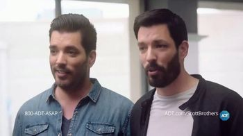 ADT TV Spot, 'DIY Fails with the Scott Brothers' Featuring Jonathan and Drew Scott - Thumbnail 8
