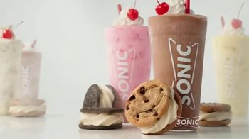 Sonic Drive-In Ice Cream Cookie Sandwiches TV Spot, 'Reunion Tour' - Thumbnail 7