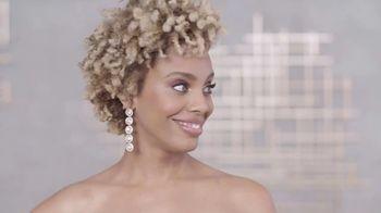 Aveeno TV Spot, '2019 NAACP Image Awards: Any Red Carpet' Featuring Jade Novah, Malinda Williams, Africa Miranda - Thumbnail 7