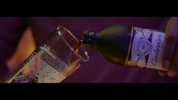Budweiser Reserve Copper Lager TV Spot, 'Una nueva Bud en la ciudad' con Charlize Theron [Spanish] - Thumbnail 1