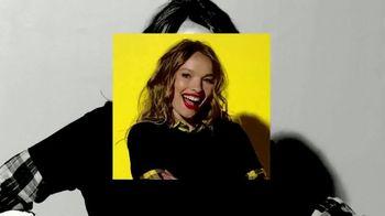SKECHERS Street Cleats TV Spot, 'Tres Jolie' - Thumbnail 10