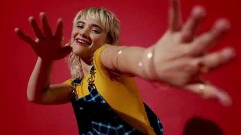 SKECHERS Street Cleats TV Spot, 'Tres Jolie' - Thumbnail 5