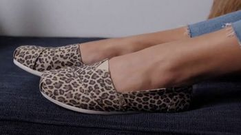 Bobs from SKECHERS TV Spot, 'Pets are Like Family' - Thumbnail 2