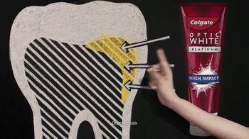 Colgate Optic White High Impact TV Spot, 'Cuatro tonos más blanco' con Leslie Grace [Spanish] - Thumbnail 4