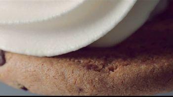 Sonic Drive-In Ice Cream Cookie Sandwiches TV Spot, 'El gusto es todo tuyo' [Spanish] - Thumbnail 2
