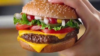 McDonald's Quarter Pounder Deluxe TV Spot, 'Fresh on Fresh' - Thumbnail 3